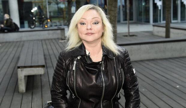 """""""Nechci to nijak komentovat, on je tam, já tady"""": Dominika Gottová zůstala ve Finsku sama. Jak se dcera Karla Gotta snaží vypořádat s situací"""