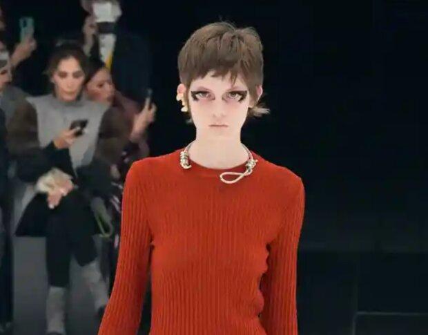 Paris Fashion Week Givenchy. Foto: snímek obrazovky YouTube