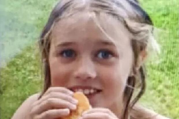 """""""Bude předána do péče zdravotníků"""": Policie našla osmiletou holčičku, která se ztratila na vrchu Čerchov"""