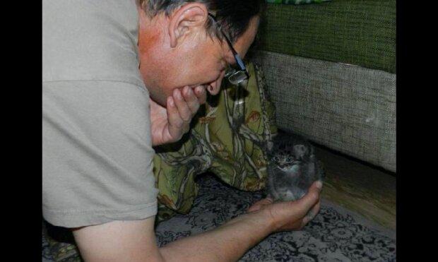 Příběh o záchraně kotě manula pečujícími lidmi