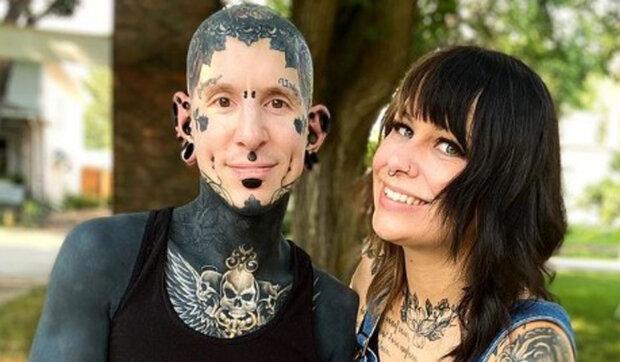 """""""Nevypadáš jako chlap z roku 2005"""": Ten chlap ukázal, jak vypadal bez tetování před 16 lety, a to jsou dvě zcela odlišné tváře"""