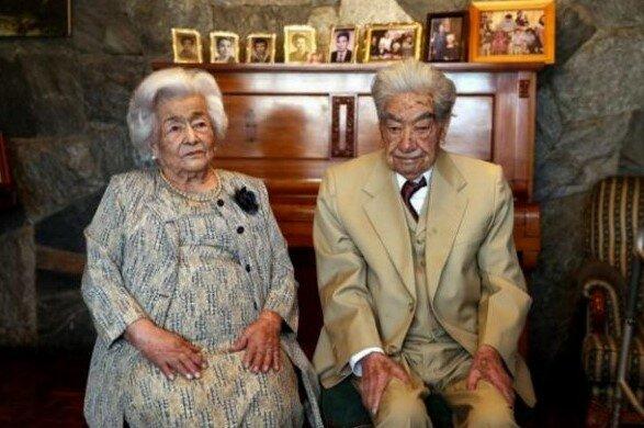 Je mu 110 let a je jí 104 let a jsou stále spolu : starší manželský pár se dostal do Guinnessovy knihy rekordů