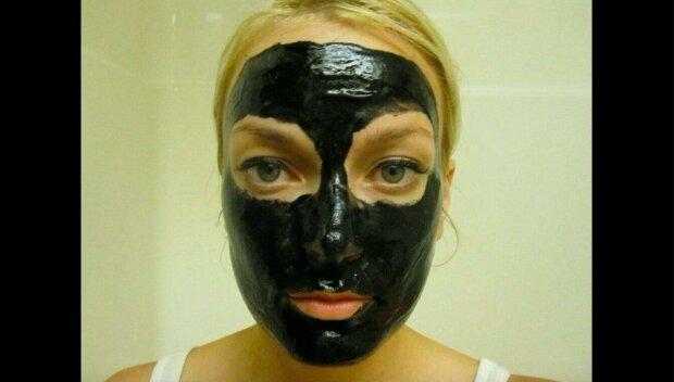 Večerní pleťové masky jsou pouhou ztrátou času: tři pravidla efektivních masek