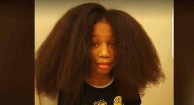 Оsmiletý Tomáš si dva roky nestříhal vlasy: rozhodl se, že to bude na paruky pro nemocné děti