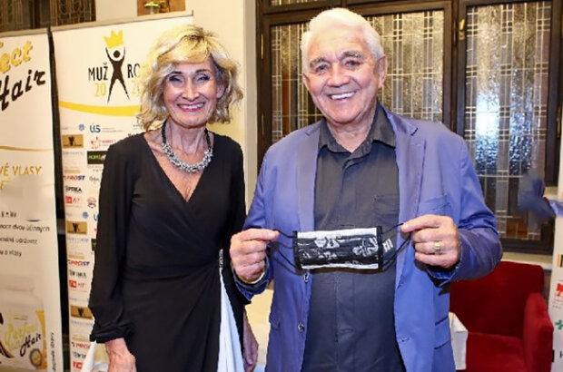 """""""Když se mě dnes někdo zeptá, co dělá paní Bubílková, odpovídám, že čekáme trojčata"""": Jiří Krampol promluvil o svém vztahu se Zuzanou Bubílkovou"""