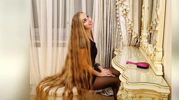 Skutečná Rapunzel: tato žena si od svých pěti let nestříhala vlasy. Teď je jí 34 a délka vlasů  překročila 180 cm