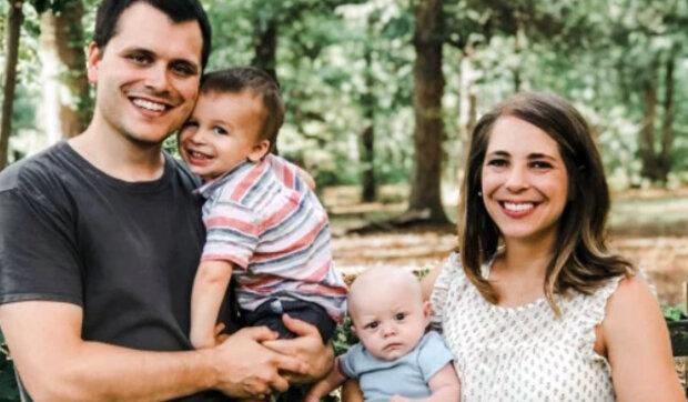 """""""Manželovi jsem pořád dokola opakovala: Je to vtip"""": Přiznaná za neplodnou žena přišla o adoptovanou dceru a dozvěděla se o těhotenství"""