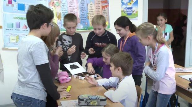 Žáci. Foto: snímek obrazovky YouTube