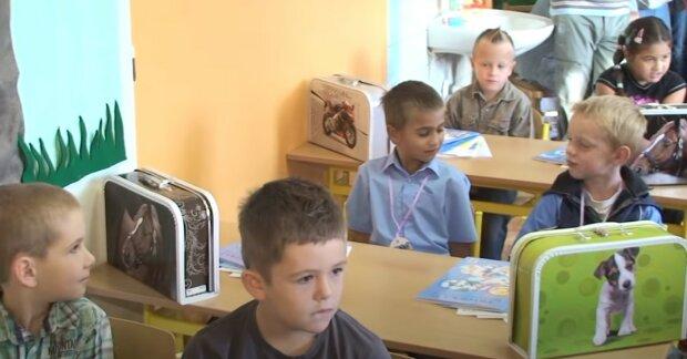 Ministerstvo školství: Jaká pravidla budou platit ve školách od 1. září. Proč žáci, kteří odmítnou testování, nebudou moct ve školách cvičit a zpívat