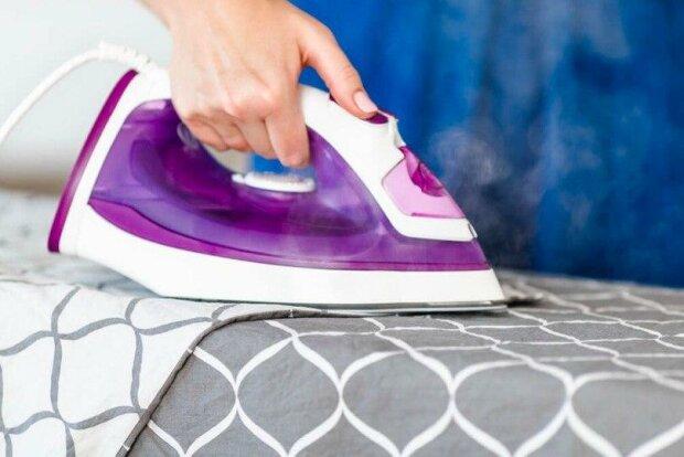 Vědci vysvětlili, proč není dobré žehlit ložní prádlo