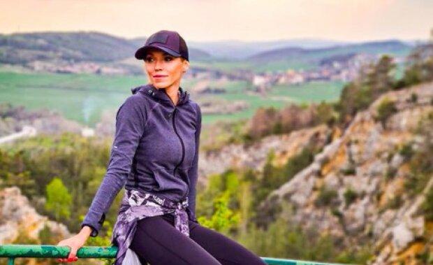 Hanka Mašlíková se na počest narozenin ukázala v plavkách a s novou barvou vlasů