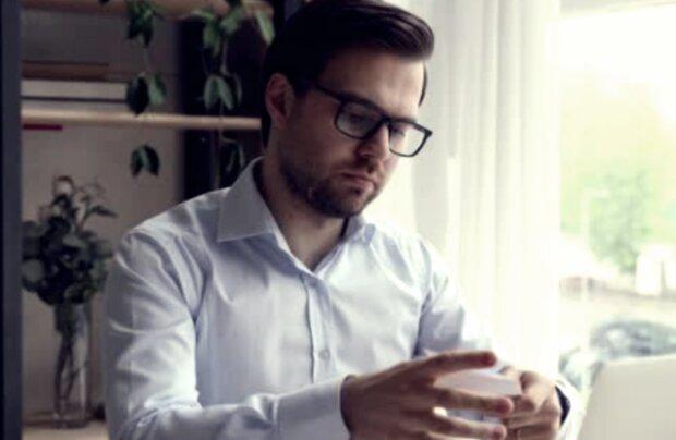 Syn. Foto: snímek obrazovky YouTube